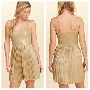 Hollister Gold Pleated Sleeveless Vneck Mini Dress